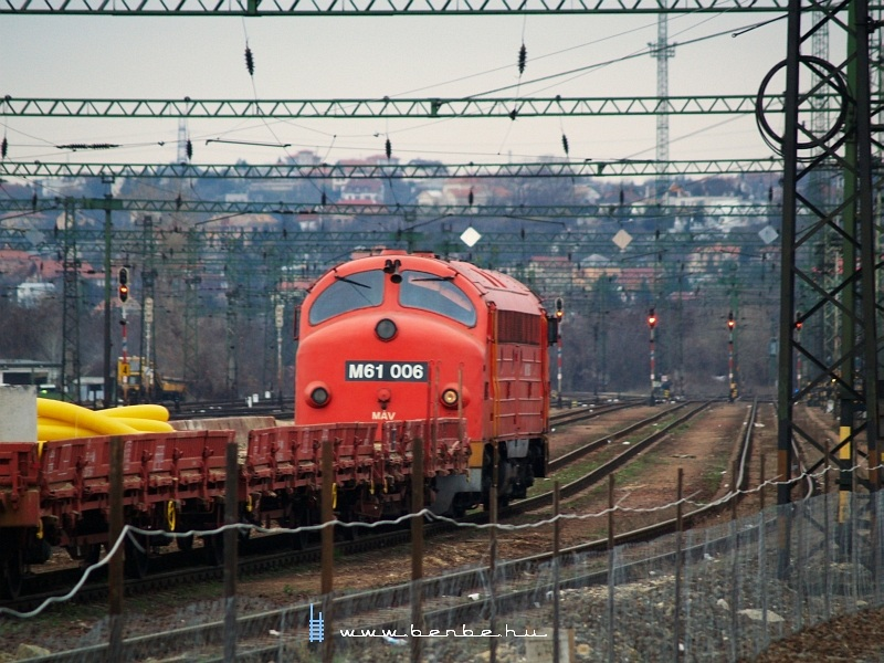 M61 006 a Kelenföldi pályaudvaron fotó