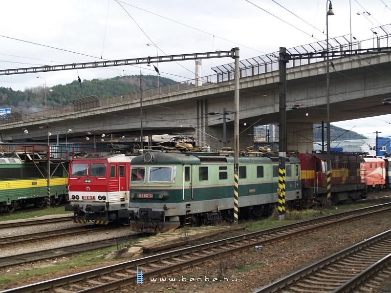 183 017-3 és 163 116-7 Zsolnán fotó