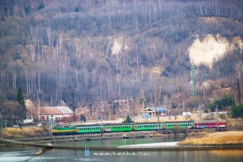 163 104-3 Ratkó-Suttó megállóhelyen fotó