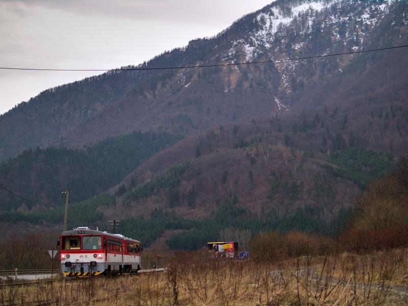 913 015-4 Kralován bejárati jelzõjénél fotó