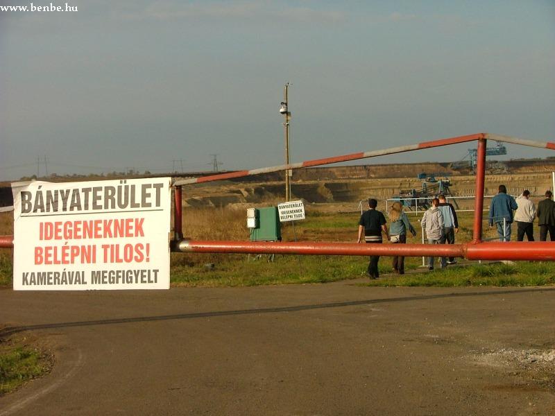 A visontai külszíni fejtés bejárata fotó