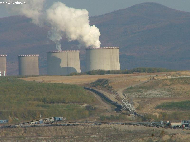 A szén is szalagokon át jut az erõmûbe fotó