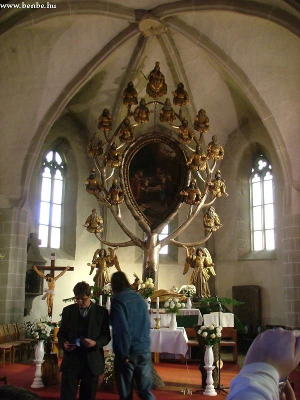 """Gyöngyöspata templomának barok fõoltára, a """"Jessze fája"""" fotó"""