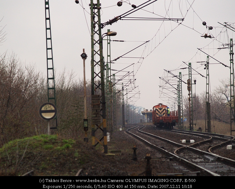 40 44 006 kihúzott Zugló felé fotó