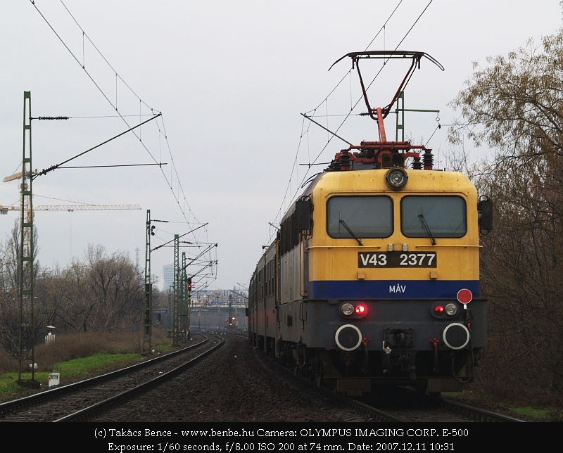 A vonat végén V43 2377 fotó