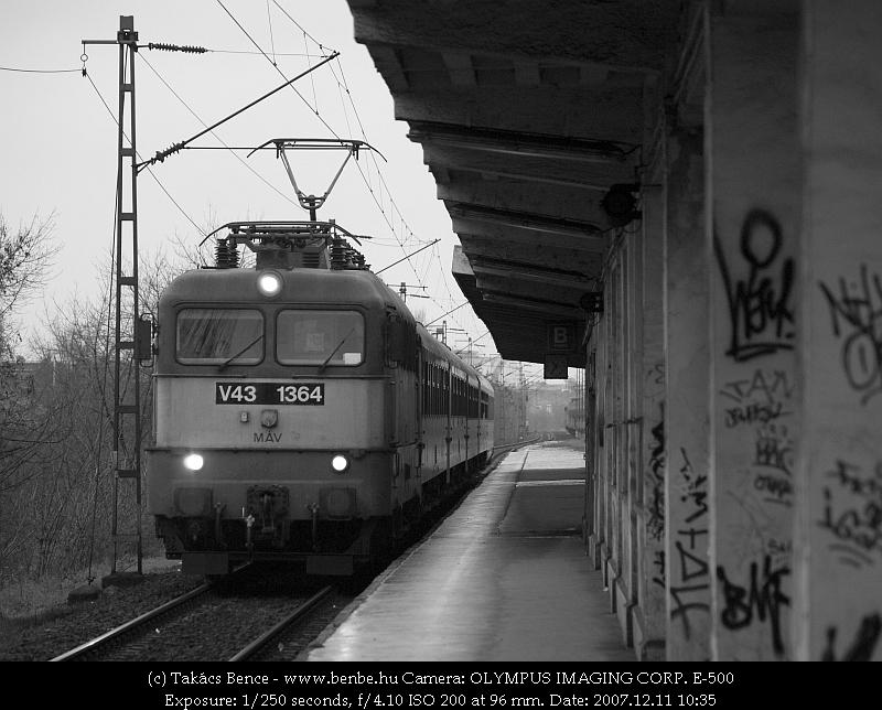 V43 1364 IC-vonata Zuglóban csak leszállás céljából áll meg fotó