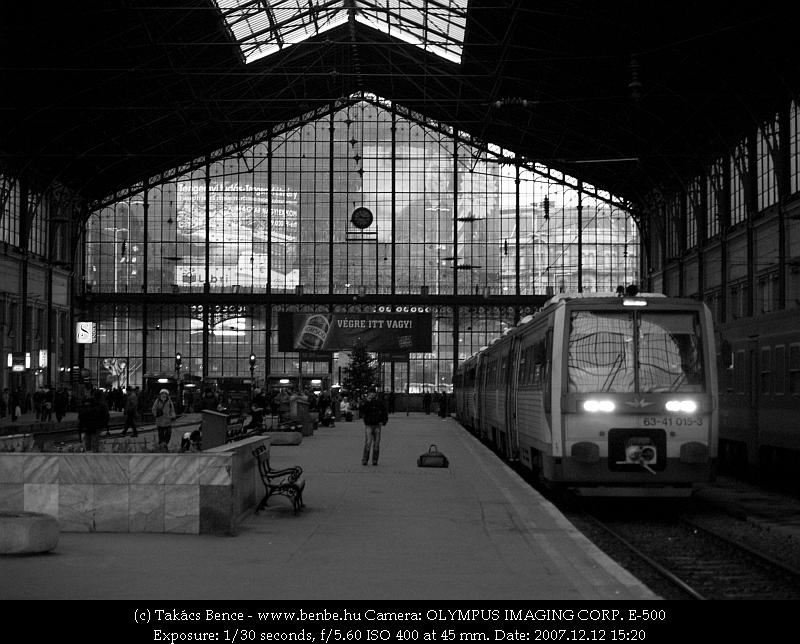 6341 015-3 a Nyugati pályaudvaron fotó