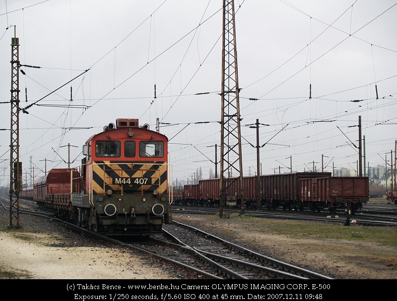 M44 407 Rákosrendezõn fotó