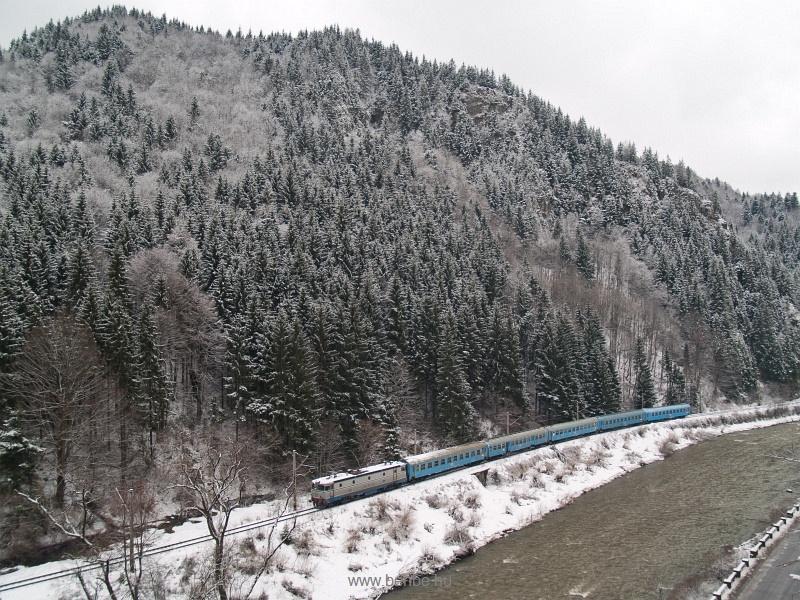 Valószínűleg a CFR 40-0188-3-as ASEA Palotailva (Lunca Bradului, Románia) és Gődenyágra (Stanceni Neagra, Románia) között a Maros-áttörésnél fotó