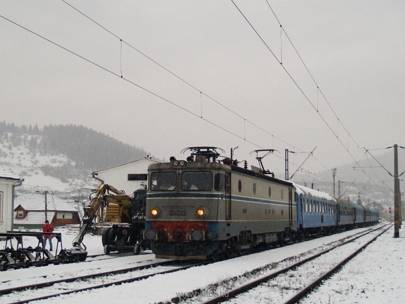A CFR 40-0198-9 pályaszámú ASEA-licencia mozdonya Palotailva állomáson fotó