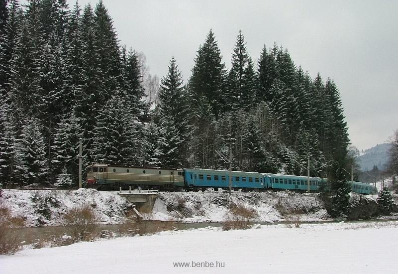 CFR személyvonat ASEA-licencia mozdonnyal Palotailva és Nyágra között fotó