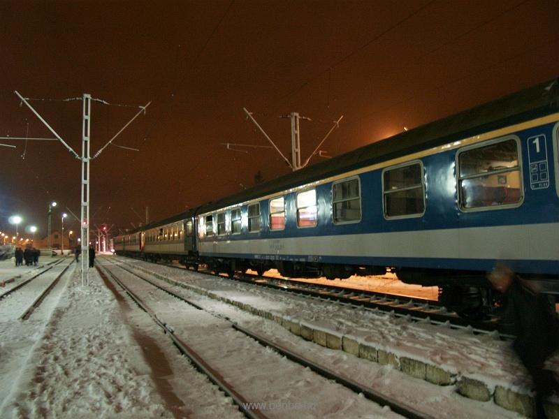A Corona nemzetközi gyorsvonat Gyergyószentmiklóson (Gheorghieni, Románia) fotó