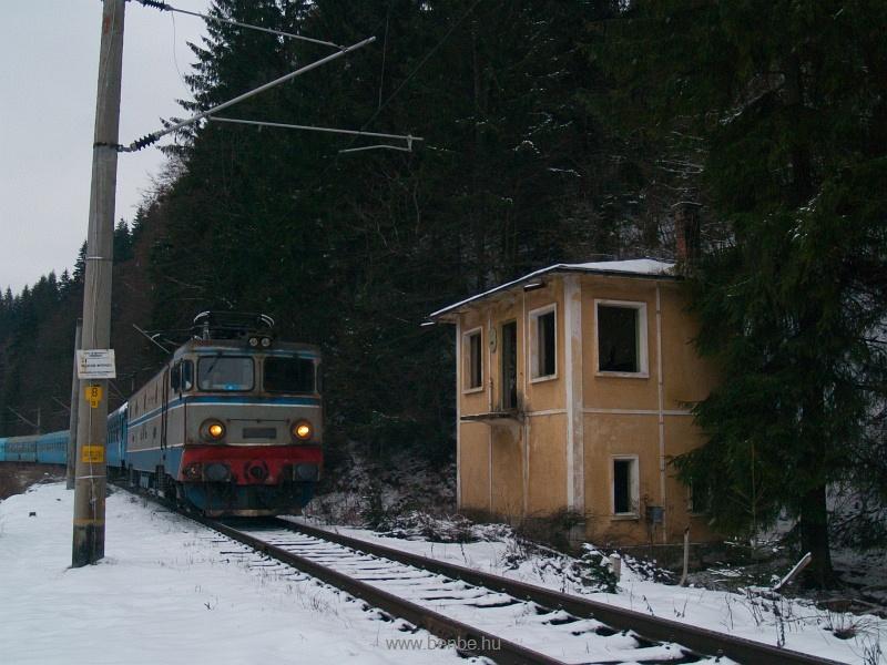 Leolvashatatlan pályaszámú ASEA-mozdony Nyágrán fotó