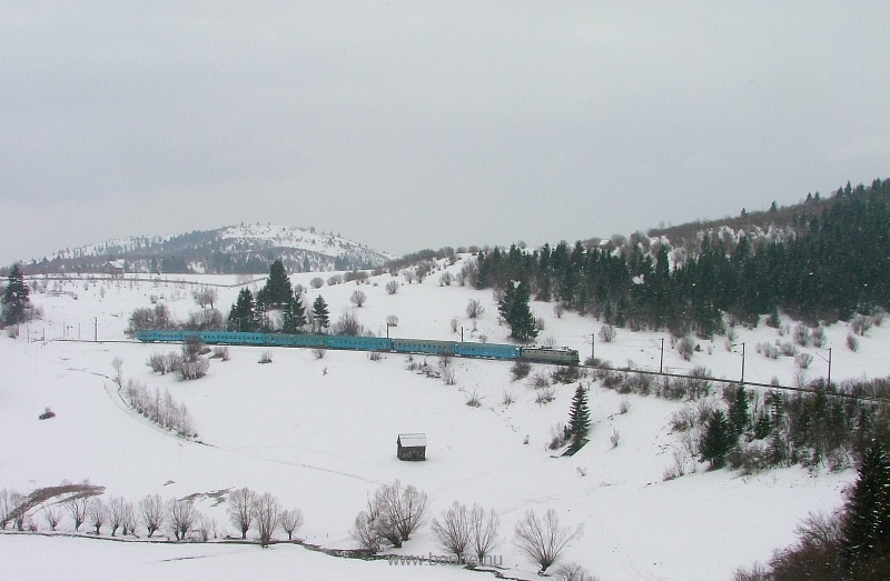The CFR 40-0857-9 between Izvorul Olt and Izvoru Muresului photo