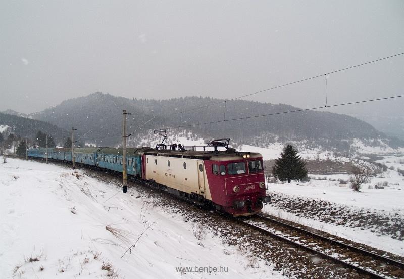 A CFR 40-0919-7 a sűrű hóesésben Marosfő és Oltfő között fotó