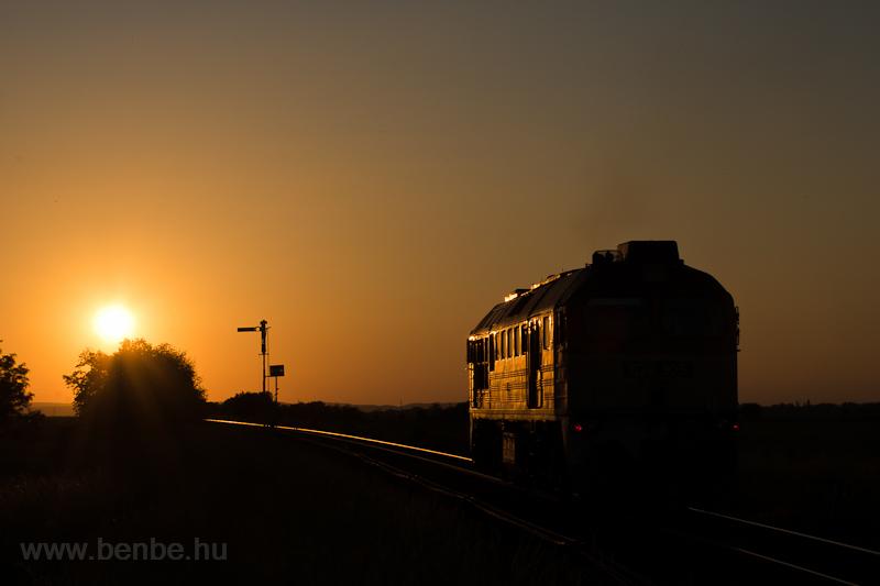 A MÁV-START 628 305 Börgönd és Székesfehérvár között fotó