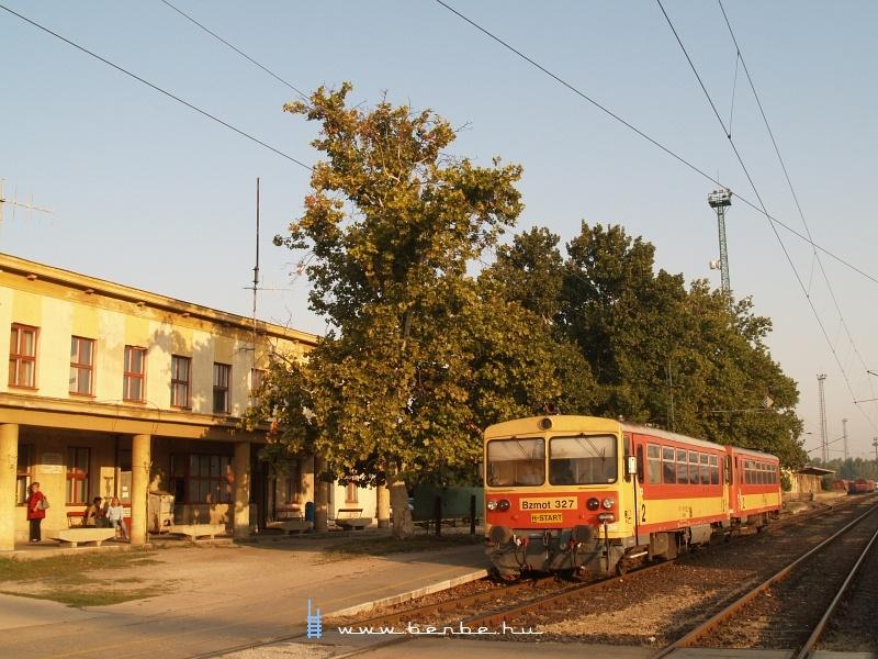 Bzmot 327 Dunaújvárosban fotó