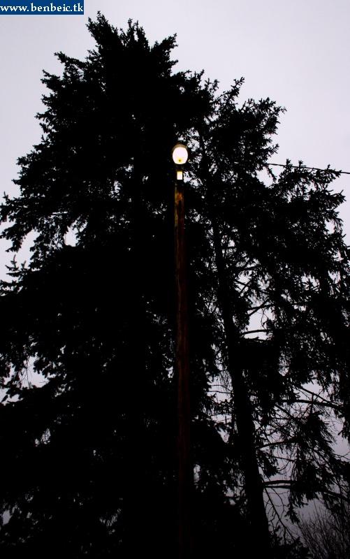 Még egy mûködõ lámpa Tolmácson fotó