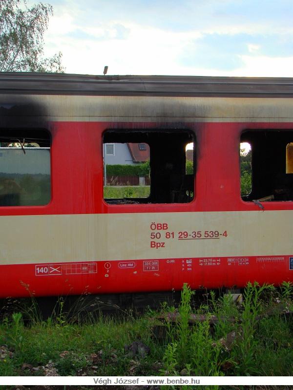 Az egykor jobb időket is megélt kocsi Linzben szolgált a katasztrófáig. fotó