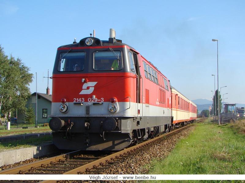 A 2143 029-3 a radtramper traisentalal kijár Spratzenből, St.Pölten felé fotó