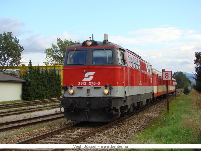Ezen a napon a bicajos vonatot a 2143 075-6 továbbította fotó