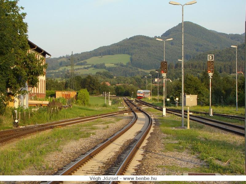 St. Aegyd am Neuwald felől érkezik egy személyvonat (5047 037-6) fotó