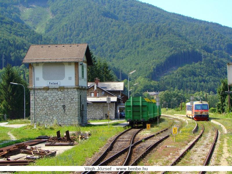 Elhagyjuk Freiland állomást, majd utánunk nem sokkal az 5047 025-1 is kijárt Traisen irányába fotó