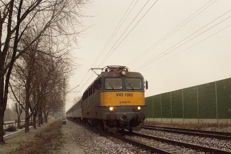 V43 1093 Vecsés és Ferihegy között fotó
