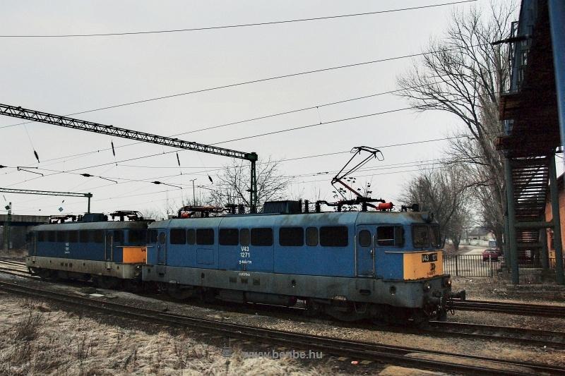 V43 1271 és 1181 Székesfehérváron fotó