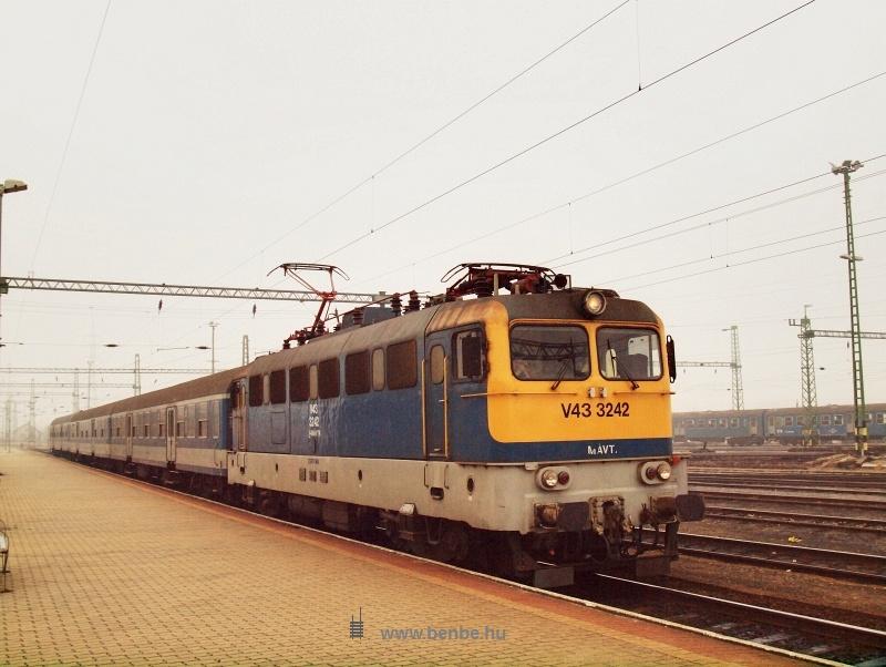 V43 3242 Veszprémben fotó