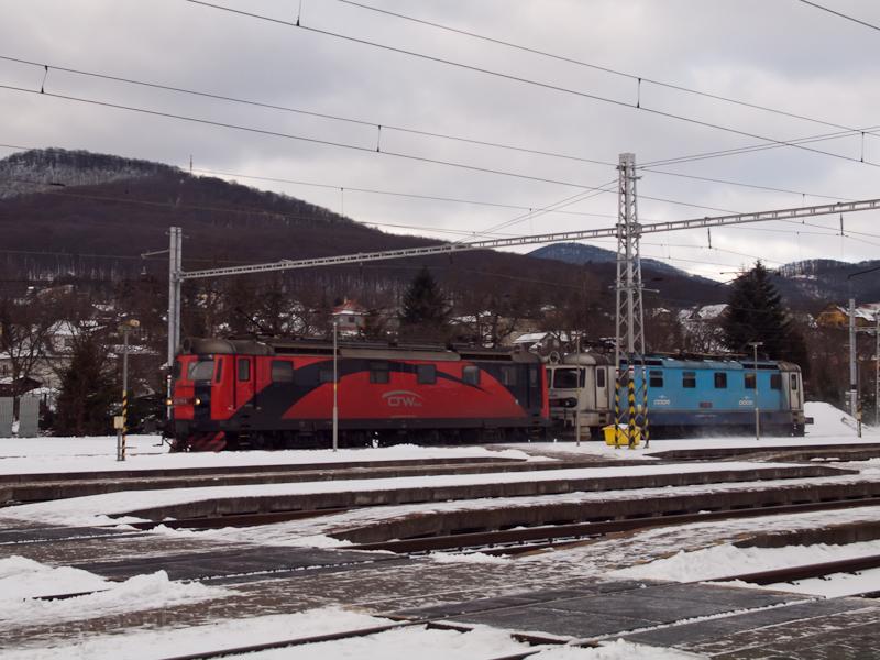 Egy CRW és egy ČD fest fotó