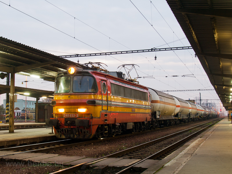A ŽSSKC 240 032-3 Párk fotó