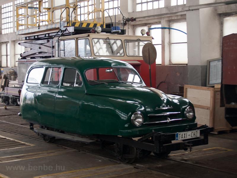A TREŽ Škoda pályagépkocsija fotó
