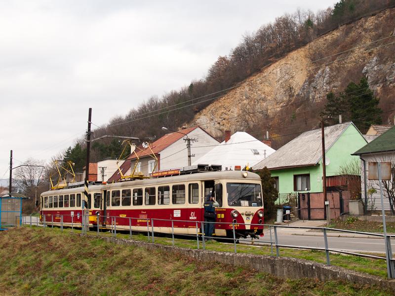 A TREŽ 411 902-0 Hőlak megállóhelyen fotó