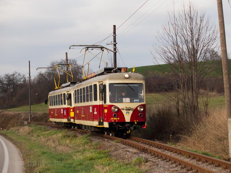 The TREŽ 411 902-0 see photo