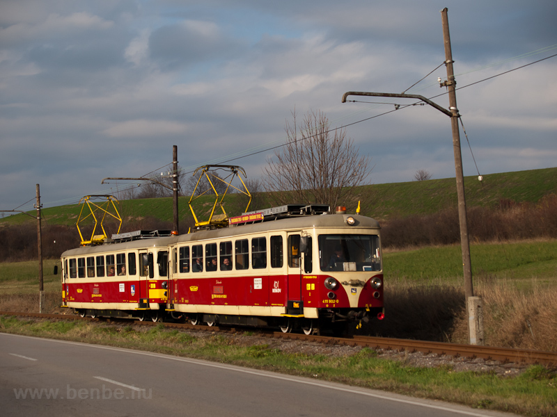 A TREŽ 411 902-0 Kanov fotó