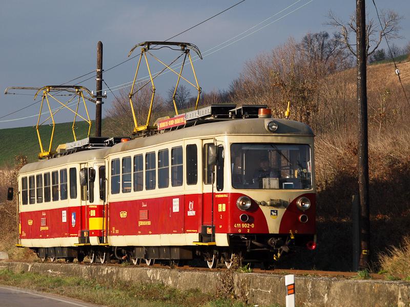 A TREŽ 411 902-0 Trenc fotó