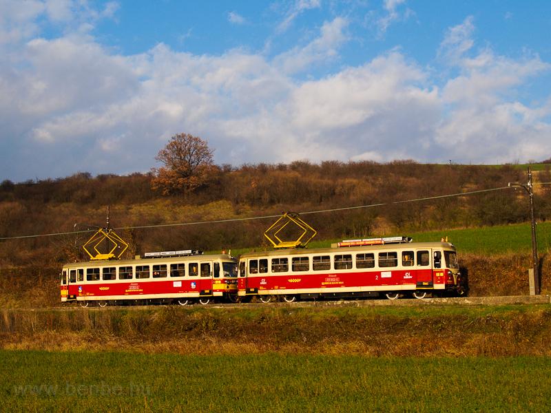 A TREŽ 411 902-0 Trencsénteplicz Lakótelep és Kanovna között fotó