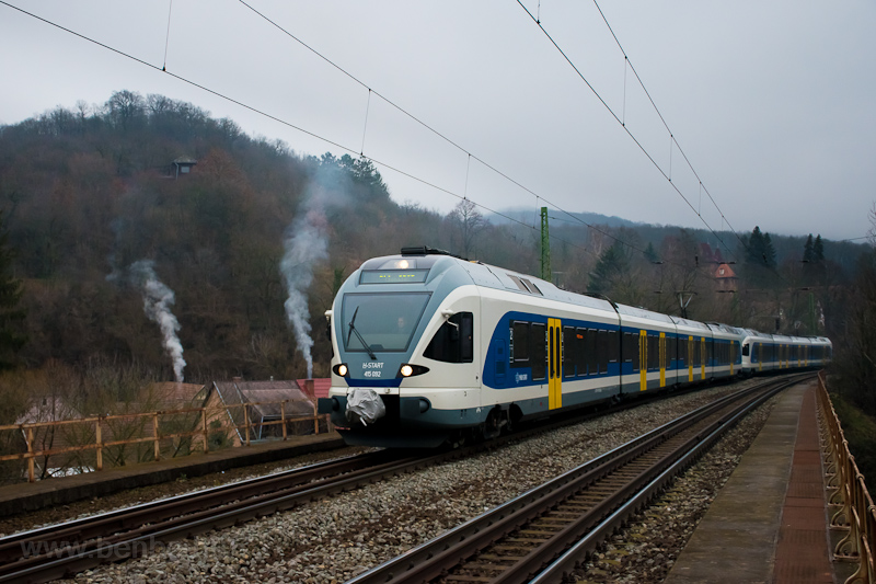 The MÁV-START 415 092 seen  picture