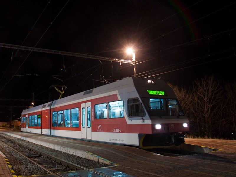 A ŽSSK TEŽ 425 959-4 Ótátrafüred állomáson fotó