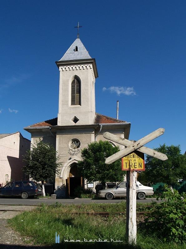 Templom Radauti fõutcáján fotó