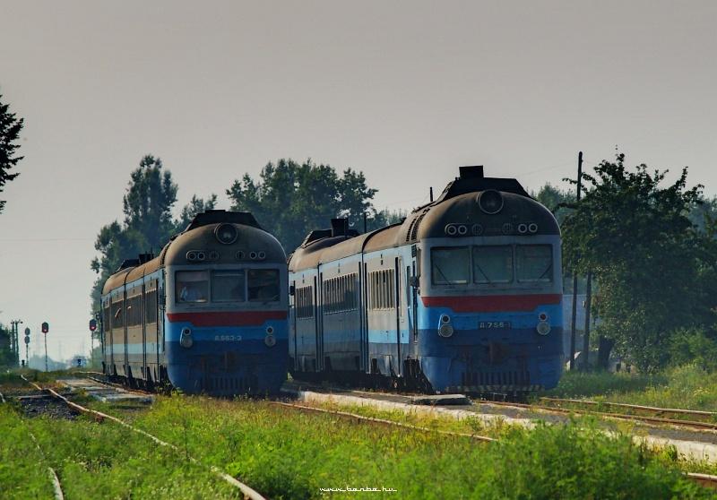 D1 756-3 és 756-1 Bustyaháza állomáson fotó