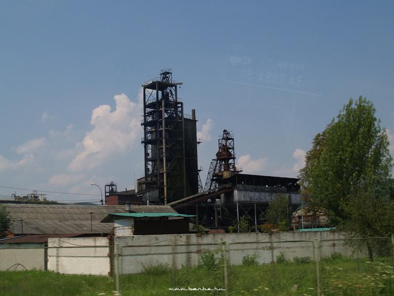 Üzemen kívüli gyár Ungvártól északra fotó