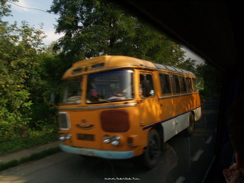 Kisbusz valahol Perecseny és Ungvár között fotó