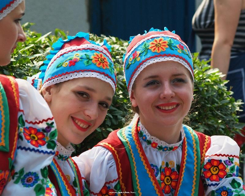 Táncoslányok fotó