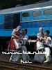 Táncosok a mozdony elõtt