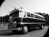 A miskolci Ikarusz Ik31-es veteránbusz Polgárban