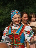 Folk dance show at Alsóremete (Шаланки)