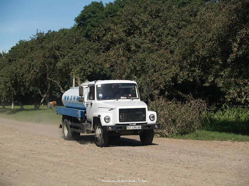 Tejszállító teherautó fotó