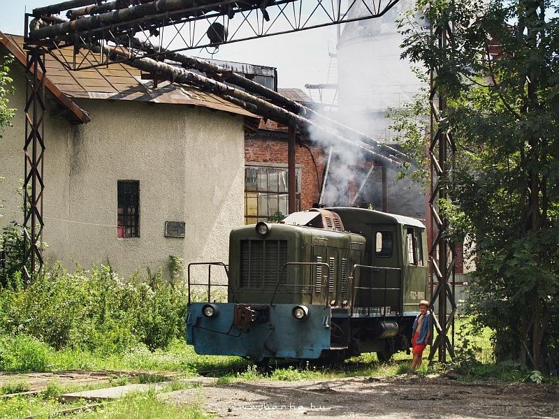 TGK2 sorozatú ipari mozdony Csernyovci külvárosában fotó